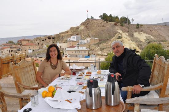 بيرماسالي كيف هوتل - كابادوكيا: terasta kahvaltı 