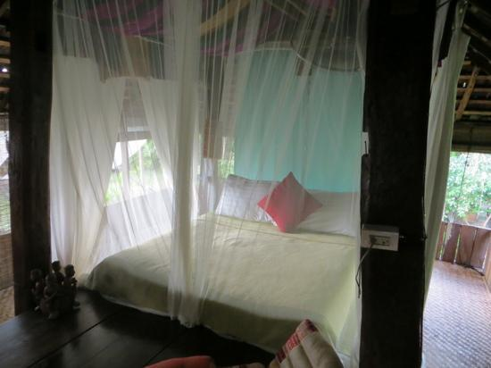 BaanBooLOo: Baan Khao open air room