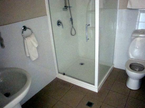 Lake Taupo Motor Inn: The shower area