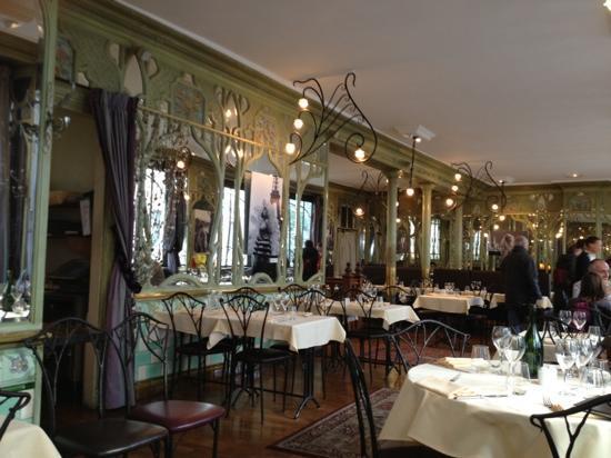 Bouillon Racine: salle