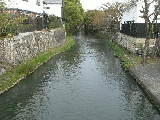Hachiman-bori: 橋の上から見た八幡堀
