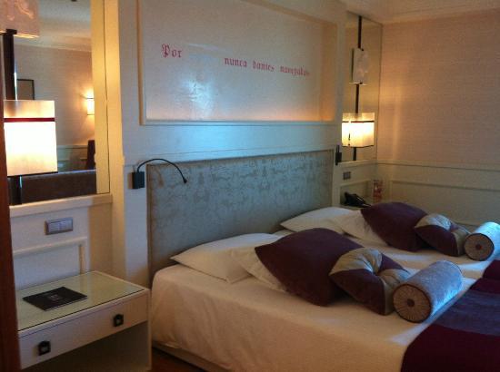 جراند ريال فيلا إيطاليا: Bedroom 