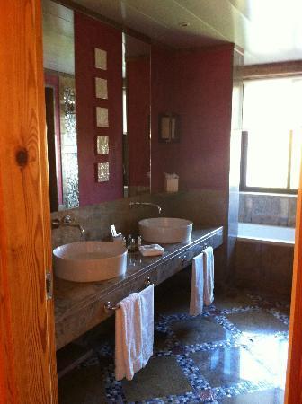 جراند ريال فيلا إيطاليا: Bathroom 