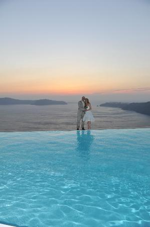 Anastasis Apartments: Pool with Caldera in background