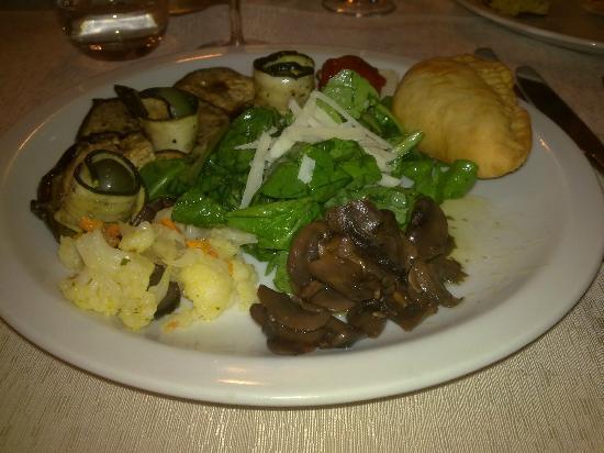 Oratino, Itália: antipasto di verdure