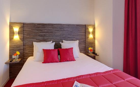 Chambre single picture of hotel ibis styles rennes for Chambre d hote rennes