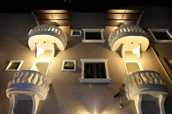 Hotel RIA: exterior
