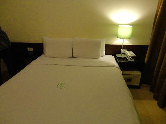Mandaluyong, Filipinas: big, comfortable bed.