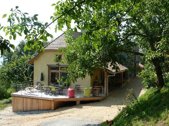 Cote Tilleul: Terrasse, lieu de détente, service de boisson et petit déjeuner