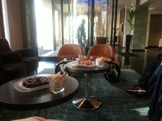هوتل كوزموبوليتان: colazione di benvenuto 