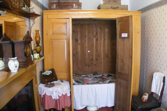 Wick Heritage Museum: A box bed