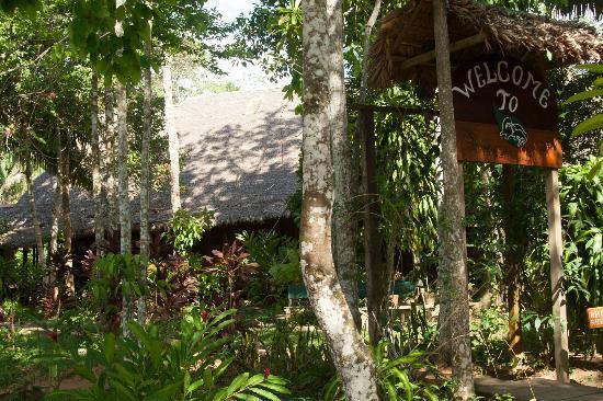 Sandoval Lake Lodge: The Lodge