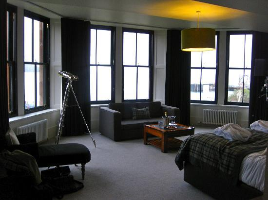 The Douglas Hotel: Suite