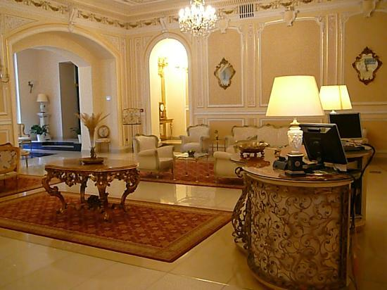 Grand Hotel Continental: Lobby