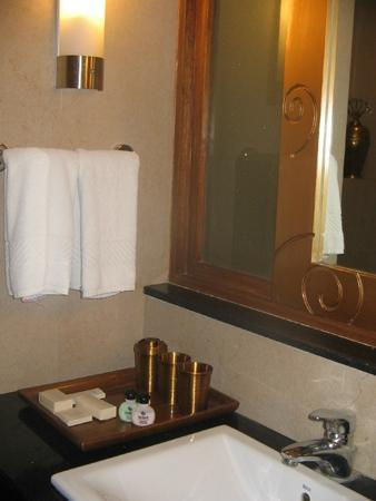 Heritage Village Resort & Spa Manesar: Bathroom