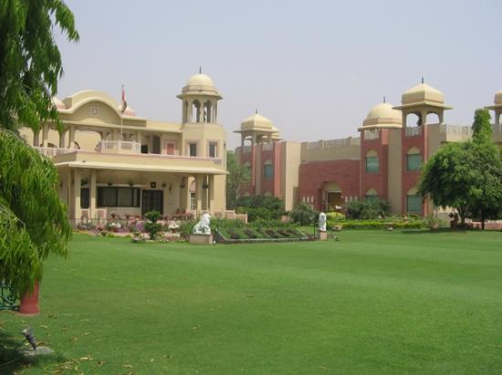 Heritage Village Resort & Spa Manesar: Hotel