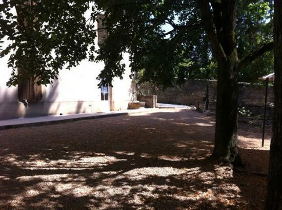 Au Clos d'Amélie : Terrasse du Domaine