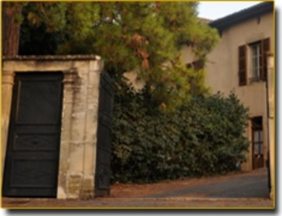 Au Clos d'Amélie : Chambre d'hôte nichée au coeur d'un parc arboré