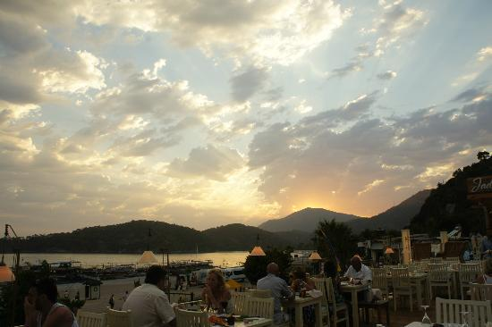 Jade Terrace Food & Drink: Spectacular Sky View