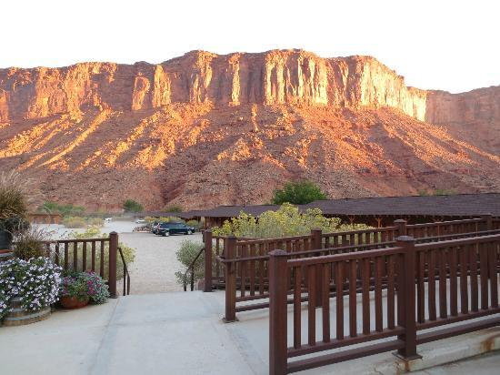 Red Cliffs Lodge: View from the main lodge