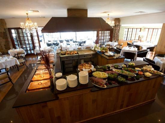 African Pride Irene Country Lodge: Buffet