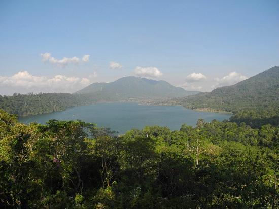 Munduk Moding Plantation: Lakes nearby
