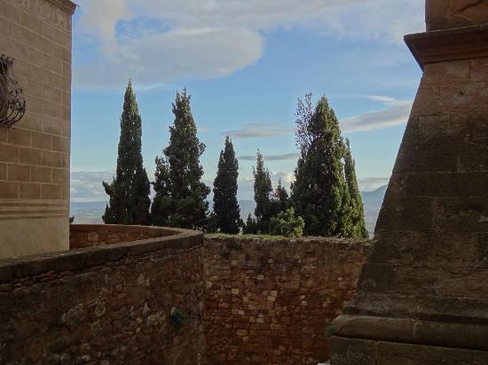 Il Duomo di Pienza: view on Val d'Orcia