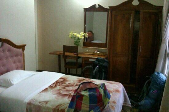 Dreams Hotel: room
