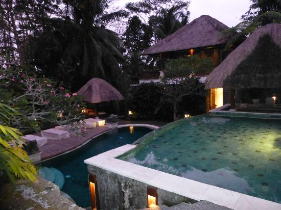 Kori Ubud Resort: Beautiful two-tiered pool