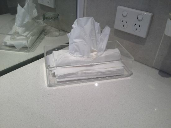 Quality Suites Deep Blue: They cut cost to the point that they do not provide a proper box of tissues