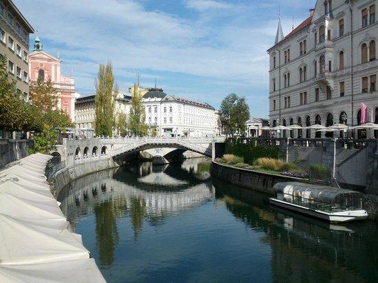 Ljubljana Old Town: Triple Bridge over Ljubljanica River
