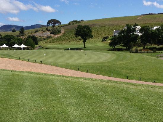 De Zalze Golf Club: putting green and 18th backdrop, October 2012