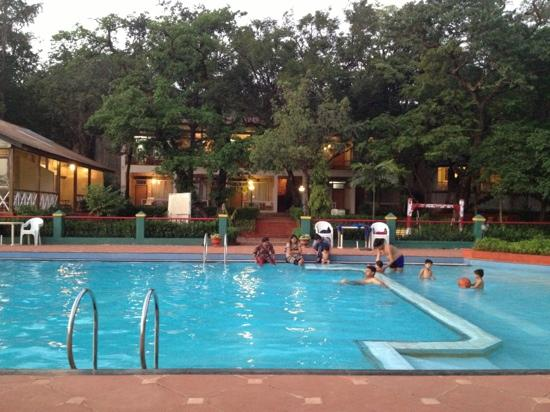 Regal Hotel: the swimming pool