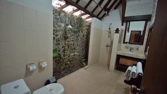 Alam Sari: Salle de bains