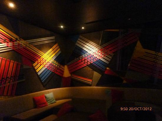 Casati Budapest Hotel: trendy bar