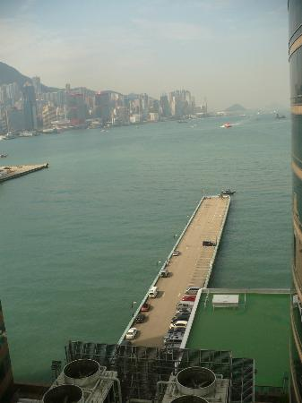 Gateway Hotel Hong Kong: View from our window to Central