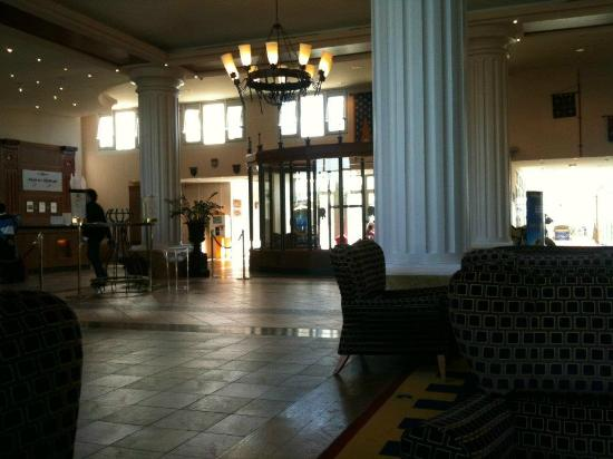 Dream Castle Hotel at Disneyland Paris: Lobby