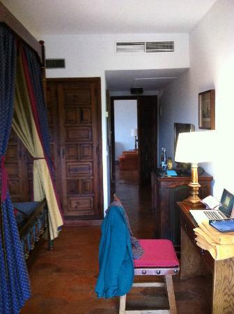Parador de Tortosa: Bedroom