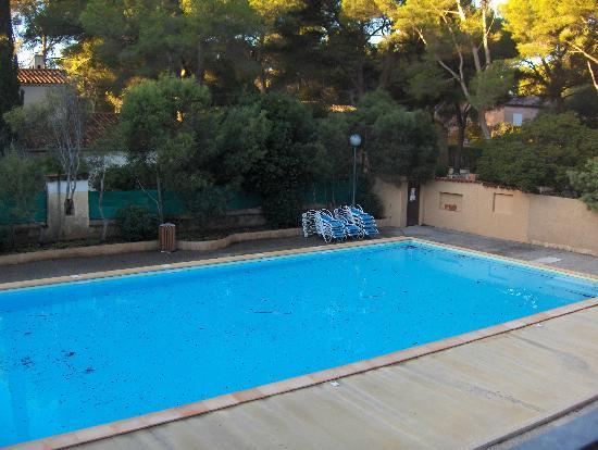 Piscine photo de residence la marina sanary sur mer for Residence piscine