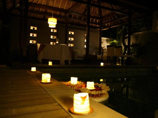 Villa Mahapala: Candlelight dinner