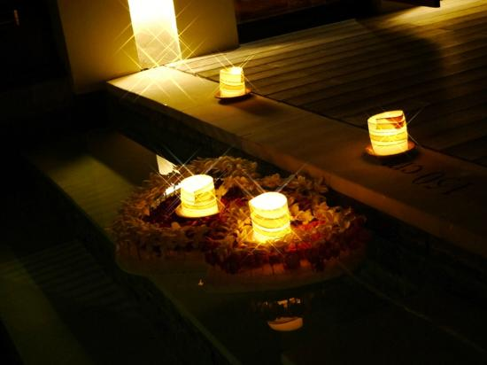 Villa Mahapala: Candlelight dinner decoration