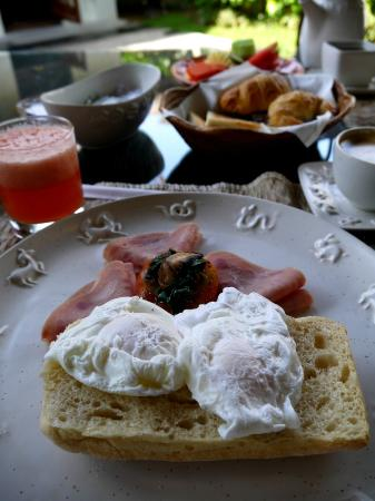 โรงแรมวิลล่า มาหาพาลา: Breakfast