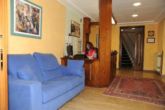 Hotel Valentini Inn: hal