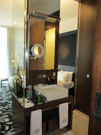 Badezimmer - Bild von Kameha Grand, Bonn - TripAdvisor