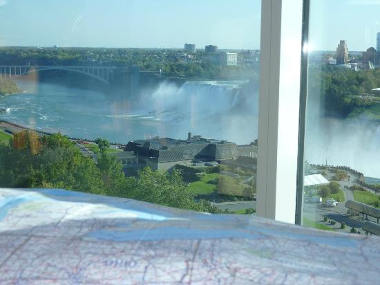 Niagara Falls Marriott Fallsview Hotel & Spa: view from loungeroom