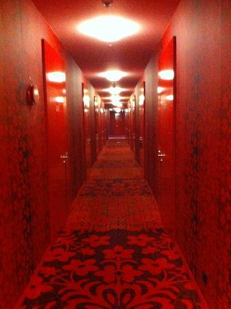 Kameha Grand: Auf dem Weg zum Zimmer