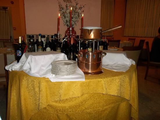 Ilgo Hotel: la preparazione della fonduta di cioccolato