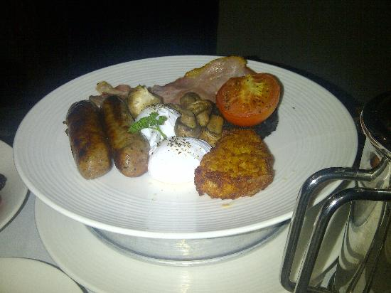 The Mere Golf Resort and Spa: Hubbys Breakfast