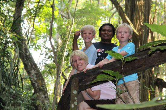 Magilla Bali Tours: Us at the monkey forrest