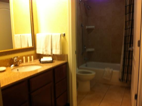 Residence Inn Killeen: bathroom